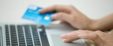 Граждан РФ обяжут платить налог с карточных счетов